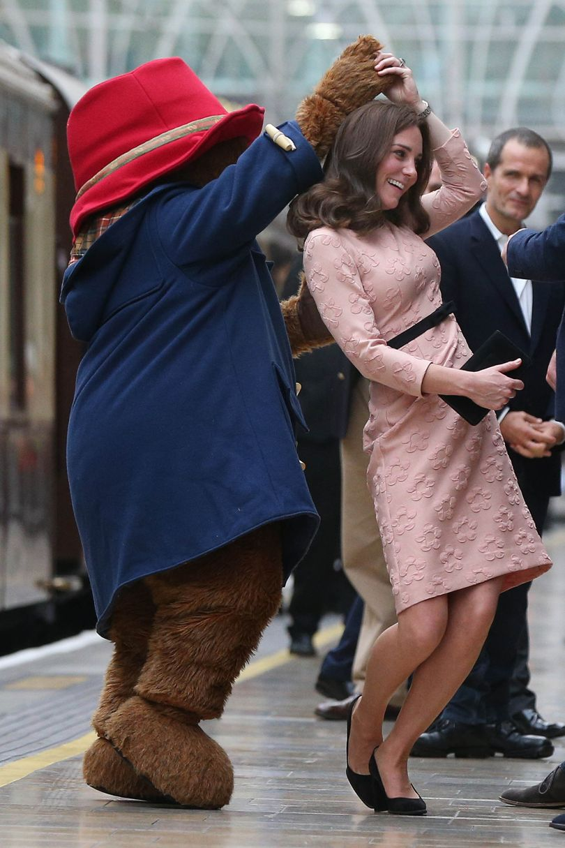 The Duchess with Paddington Bear (Getty)